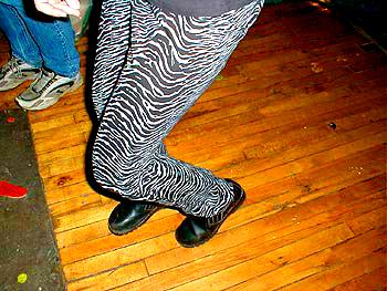 katie daley's legs (foto by Lady)