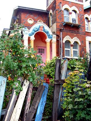 house on Lewisham corner (foto by Lady)