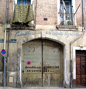 Beziers storefront