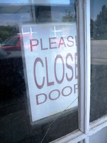 pleaseclosedoor